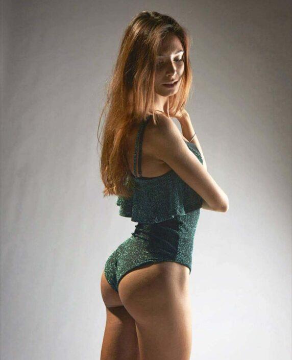 Modelle Brescia • SARA C • WOMEN, Gambista, Beauty, Manista, E-Commerce, Fotomodella Legs / Hand, Top Models, Fotomodella Over 30, Fotomodella Over 20, Intimo, Abiti da Sposa, Fittings