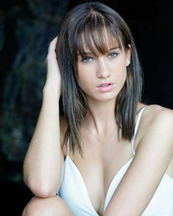 Modelle Brescia • SIHAM B • NEW FACES, Gambista, Beauty, Manista, Fotomodella Over 20, Fotomodello Under 18, Fittings, Fotomodella, Editoriali, Sfilate