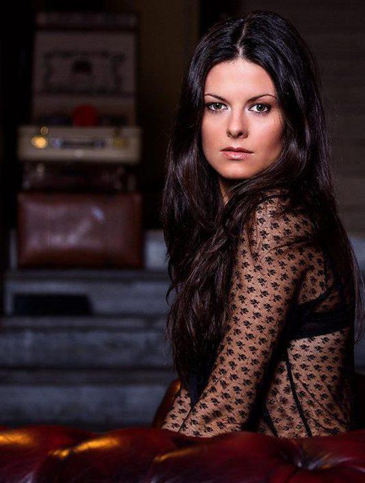 Modelle Brescia • Silvia C • DEVELOPMENT, Gambista, Beauty, Manista, E-Commerce, Fotomodella Legs / Hand, Top Models, Fotomodella Over 30, Fotomodella Over 20, Intimo, Abiti da Sposa, Fittings