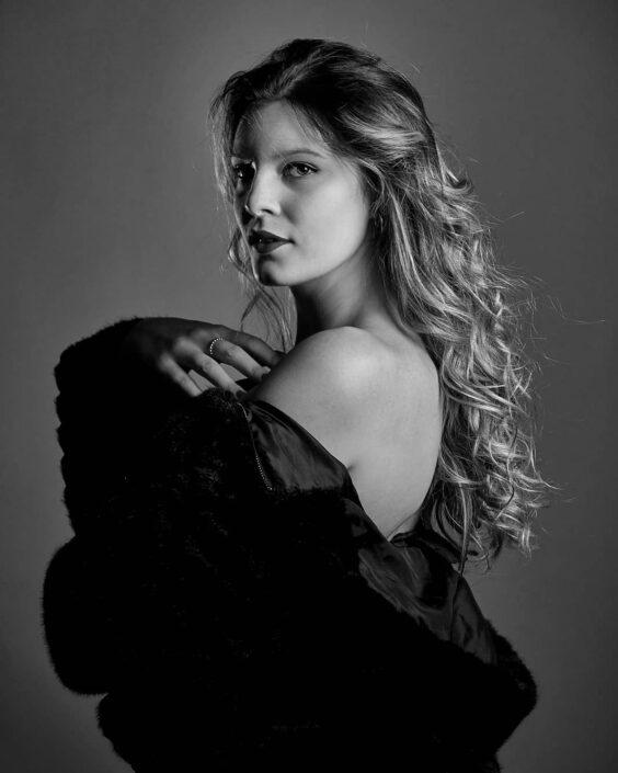 Modelle Brescia • SILVIA L • NEW FACES, Gambista, Beauty, Manista, Fotomodella Over 20, Fotomodello Under 18, Fittings, Fotomodella, Editoriali, Sfilate