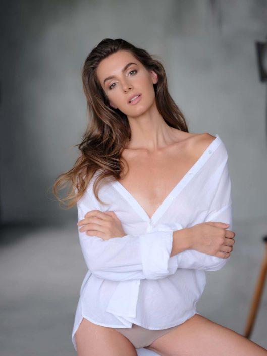 Modelle Brescia • SIMONA P • WOMEN, Gambista, Beauty, Manista, E-Commerce, Fotomodella Legs / Hand, Top Models, Fotomodella Over 30, Fotomodella Over 20, Intimo, Abiti da Sposa, Fittings