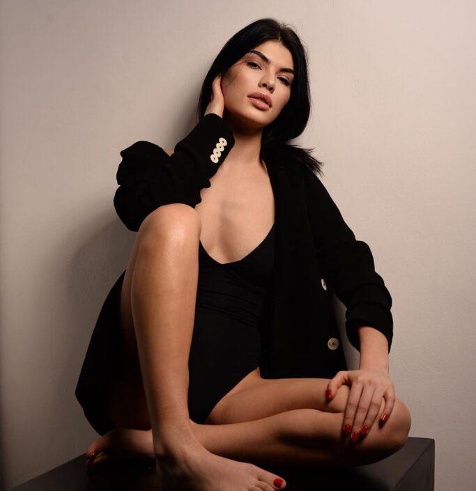 Modelle Brescia • SOFIA ST • WOMEN, Gambista, Beauty, Manista, E-Commerce, Fotomodella Legs / Hand, Top Models, Fotomodella Over 30, Fotomodella Over 20, Intimo, Abiti da Sposa, Fittings