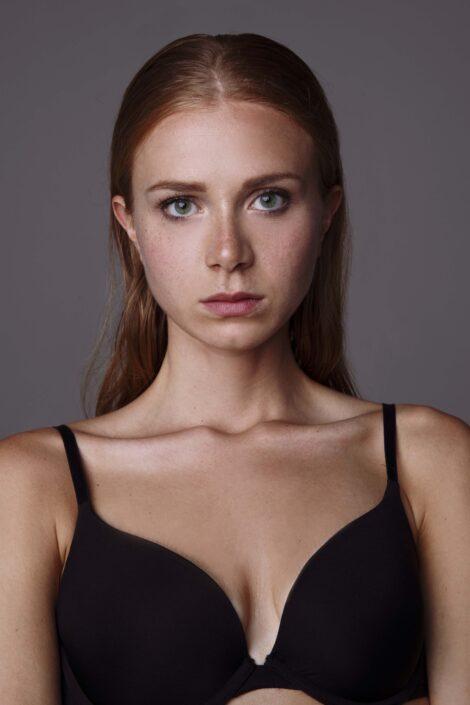 Modelle Brescia • VALERIA C • NEW FACES, Gambista, Beauty, Manista, Fotomodella Over 20, Fotomodello Under 18, Fittings, Fotomodella, Editoriali, Sfilate