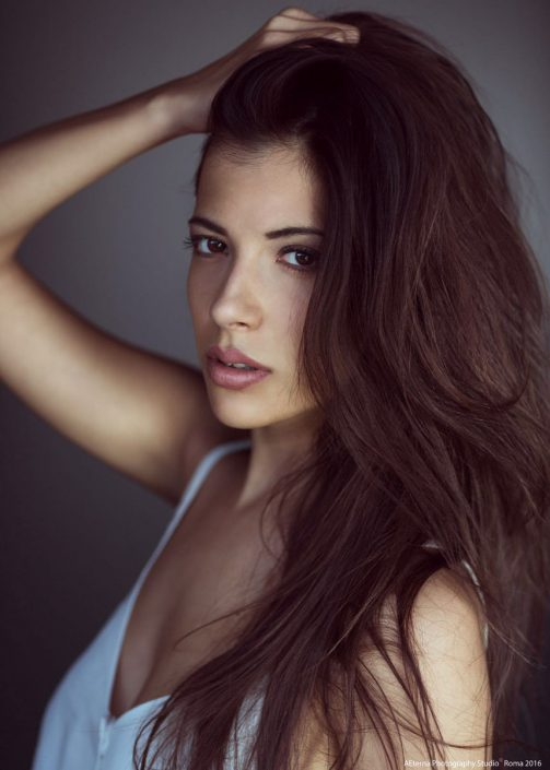 Modelle Brescia • Valeria N • DEVELOPMENT, Gambista, Beauty, Manista, E-Commerce, Fotomodella Legs / Hand, Top Models, Fotomodella Over 30, Fotomodella Over 20, Intimo, Abiti da Sposa, Fittings