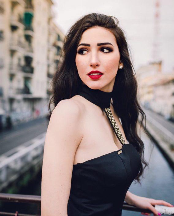Modelle Brescia • VANESSA M • DEVELOPMENT, Gambista, Beauty, Manista, E-Commerce, Fotomodella Legs / Hand, Top Models, Fotomodella Over 30, Fotomodella Over 20, Intimo, Abiti da Sposa, Fittings