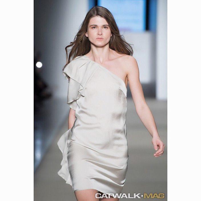 Modelle Brescia • VICKY K • WOMEN, Gambista, Beauty, Manista, E-Commerce, Fotomodella Legs / Hand, Top Models, Fotomodella Over 30, Fotomodella Over 20, Intimo, Abiti da Sposa, Fittings