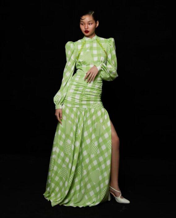 Modelle Brescia • WAIFHA R • Fotomodella Influencer, WOMEN, Gambista, Beauty, Manista, E-Commerce, Top Models, Intimo, Abiti da Sposa, Fittings