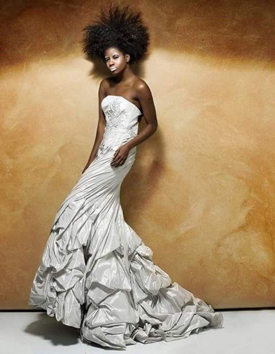 Modelle Brescia • YANET C • WOMEN, Beauty, E-Commerce, Fotomodella Di Colore, Fotomodella Over 30, Fotomodella Over 20, Top Models di Colore, Intimo, Abiti da Sposa, Fittings