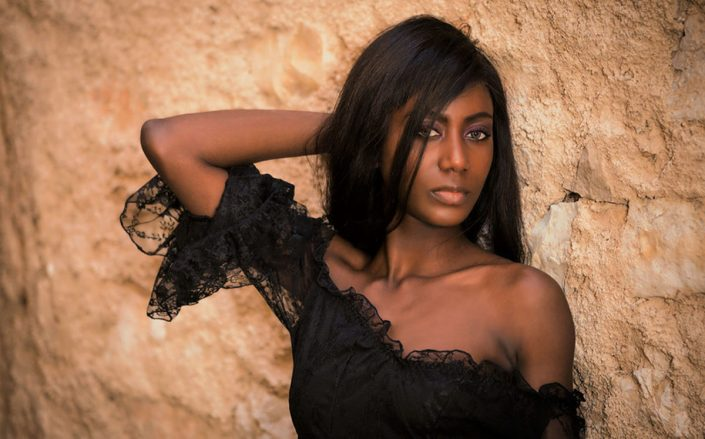 Modelle Brescia • ZIELI E • WOMEN, Gambista, Beauty, Manista, E-Commerce, Fotomodella Legs / Hand, Top Models, Fotomodella Over 30, Fotomodella Over 20, Intimo, Abiti da Sposa, Fittings