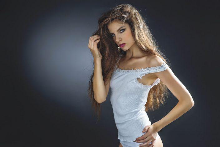 Modelle Brescia • ZEUDI Z • WOMEN, Beauty, E-Commerce, Fotomodella Legs / Hand, Fotomodella Over 30, Intimo, Abiti da Sposa, Fittings